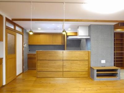 キッチン (吉野杉の家 (マンションリノベーション))