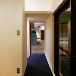 sabai  上質な大人の空間に仕上げる隠れ家のようなマンションリノベ (廊下)