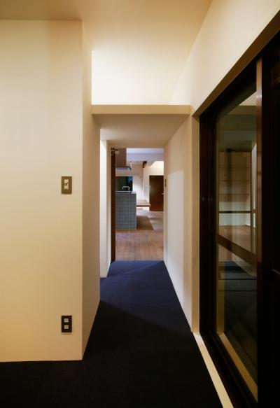 廊下 (sabai  上質な大人の空間に仕上げる隠れ家のようなマンションリノベ)