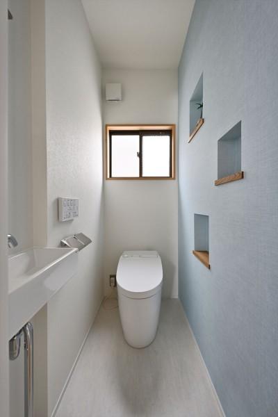 トイレ (A様邸_時間×空間を今、未来にfit!)