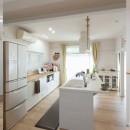 既存の形(カタチ)を活かした子育て世代の家の写真 キッチン