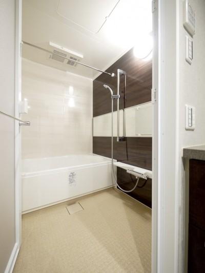 バスルーム (キッチンと洗面室を繋ぐ便利な家事動線)