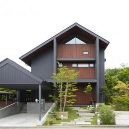 朝比奈山荘 〜なつかしさとあたらしさと、いまそこにあるリゾート〜 (前面道路から見た外観)
