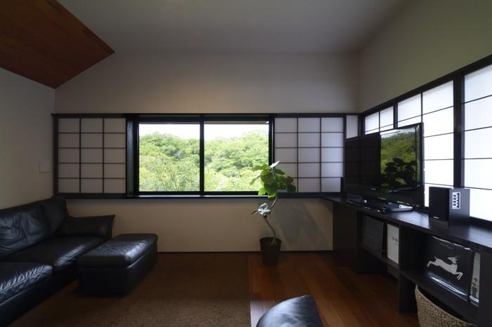 朝比奈山荘 〜なつかしさとあたらしさと、いまそこにあるリゾート〜 (リビングコーナー)