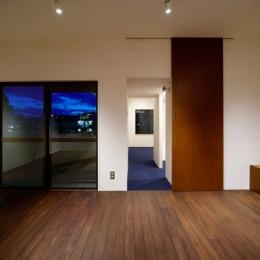 sabai  上質な大人の空間に仕上げる隠れ家のようなマンションリノベ (リビング2)