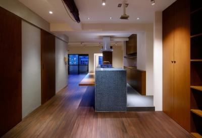 sabai  上質な大人の空間に仕上げる隠れ家のようなマンションリノベ (リビングダイニング1)
