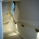 建売戸建てをラグジュアリーなプライベートサロンにの写真 階段