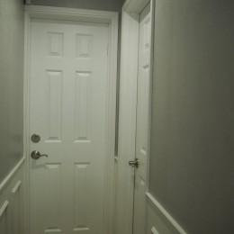 建売戸建てをラグジュアリーなプライベートサロンに (一階廊下)