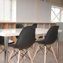築50年の事務所ビル改修でセミナー・イベントに使えるフリースペースにの写真 築50年ビル改修 白い壁バージョン