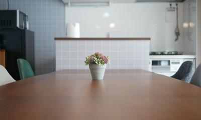 自社フリースペース AnotherRoom (キッチンとの境に収納を)
