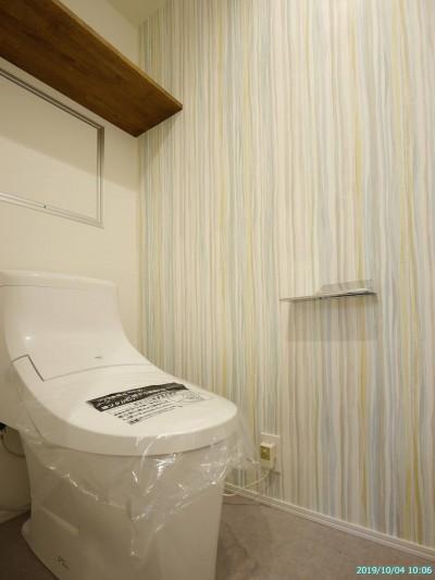 トイレ (『想いでの実家を無垢リノベーション』)