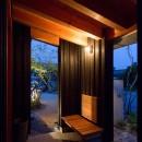 寺津の家/墨色の押縁板壁の家の写真 玄関ポーチ