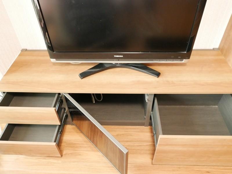 リビングダイニング事例:テレビ下にも充分な収納(収納力抜群なのに、実際の広さより広く感じるLDKのリフォーム~リビング編~)