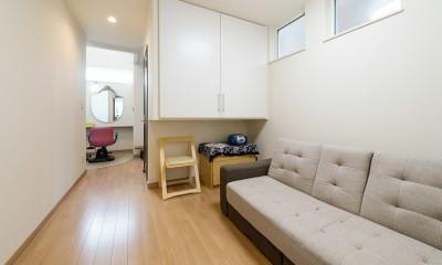 1席だけの美容室 ~コミュニティの輪が広がる地域サロンのあたらしい形~ (共有スペース)