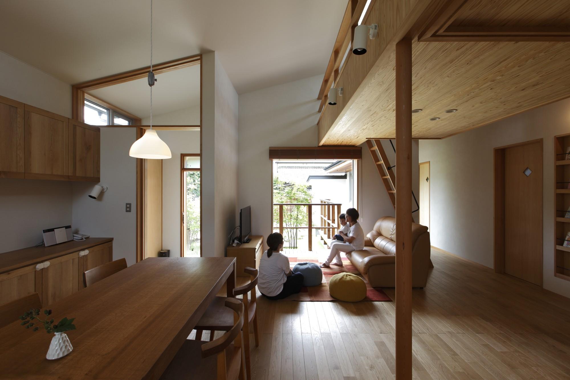 リビングダイニング事例:リビングダイニング(自然体で暮らす平屋~光・風・緑を取り込む家~)