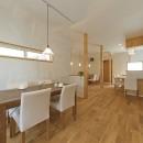 大阪府Kさん邸:ナチュラル素材でほっこり優しい「自宅カフェ」の写真 カフェ2