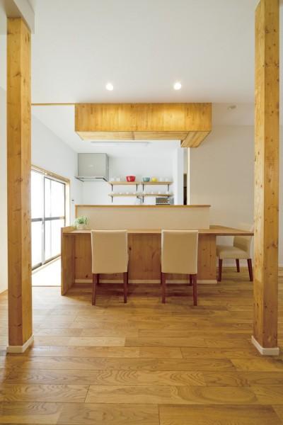 大阪府Kさん邸:ナチュラル素材でほっこり優しい「自宅カフェ」 (カウンター1)