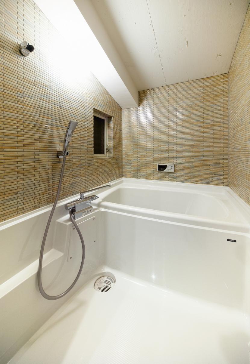 raita 特徴的なRC空間を活かし シンプルかつおしゃれにデザインした戸建テラスリノベの写真 バスルーム