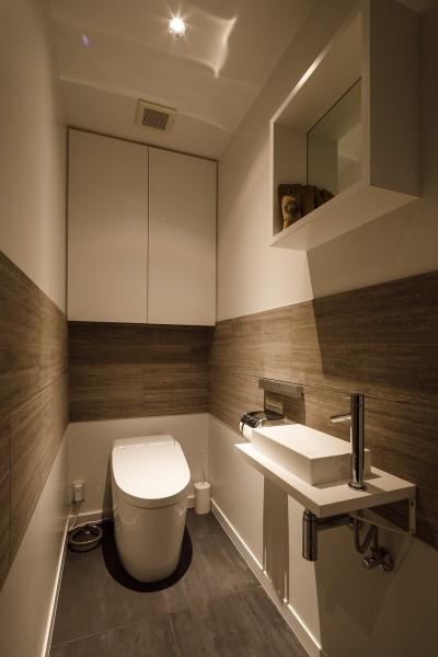 トイレ (K邸- いいものは生かしながら、新しい家にする部分的リノベーション)