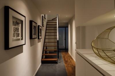 玄関 (K邸- いいものは生かしながら、新しい家にする部分的リノベーション)