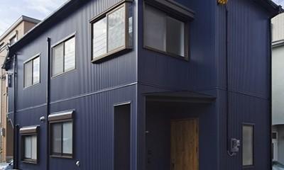 大阪・茨木市K様邸~存在感あるネイビー色ガルバリウム銅板の装いのある家~