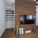 大阪・茨木市K様邸~存在感あるネイビー色ガルバリウム銅板の装いのある家~の写真 テレビボードと収納スペース