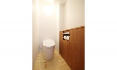 トイレ|クリエイターご夫婦が住む、ミニマルデザインなリノベーション