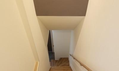 三国の長屋 (階段室)