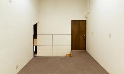 raita 特徴的なRC空間を活かし シンプルかつおしゃれにデザインした戸建テラスリノベ (部屋2)