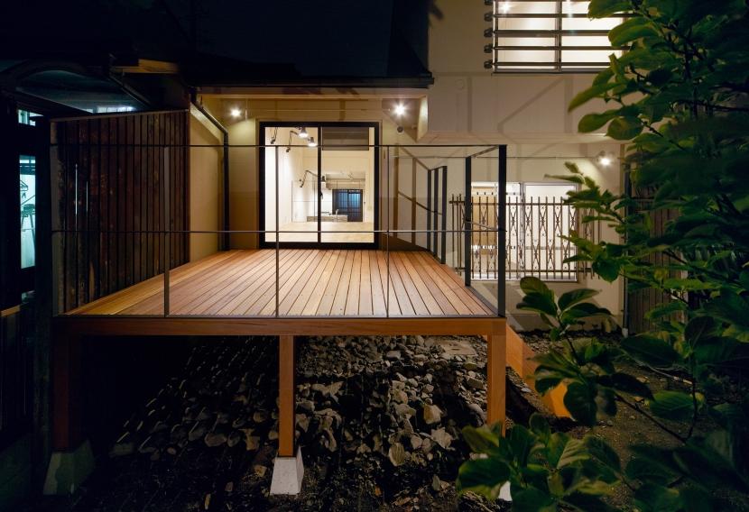 raita 特徴的なRC空間を活かし シンプルかつおしゃれにデザインした戸建テラスリノベの部屋 テラス