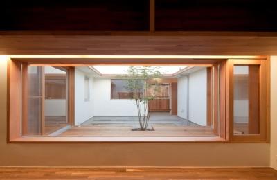 書斎コーナー (高浜の家/中庭を囲む平屋の住まい)