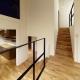 階段1 (raita 特徴的なRC空間を活かし シンプルかつおしゃれにデザインした戸建テラスリノベ)