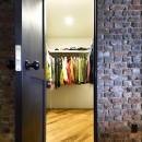 築40年のマンションをNYスタイルに 男前ブルックリンハウスの写真 お気に入りの古着屋さんをイメージして造作したWIC