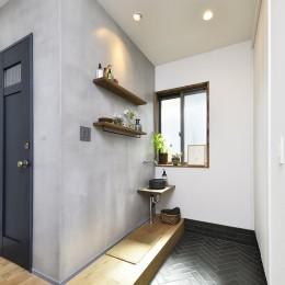 新しい家は体にやさしい自然素材 (手洗いコーナー付き玄関)