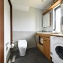 新しい家は体にやさしい自然素材の写真 コンパクトにまとめた水回り
