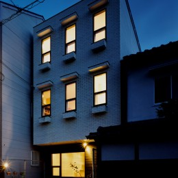 サロンのある家 ー汚れても、古くなっても、可愛いおうち。オランダのアパートメントのような家ー