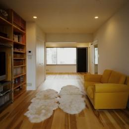 サロンのある家 ー汚れても、古くなっても、可愛いおうち。オランダのアパートメントのような家ー (2階リビング)
