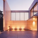 山手の家の写真 中庭夜景