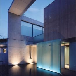 山手の家 (池外観夜景−3)
