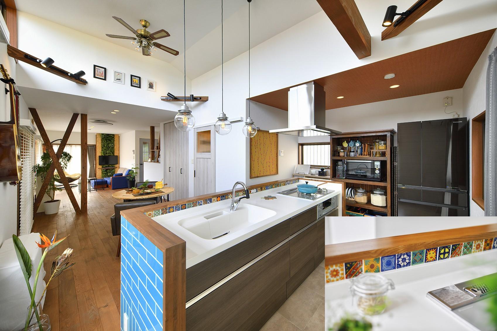 キッチン事例:家の主役 ターコイズブルーのキッチン(大好きなアジアンテイストの住まい)