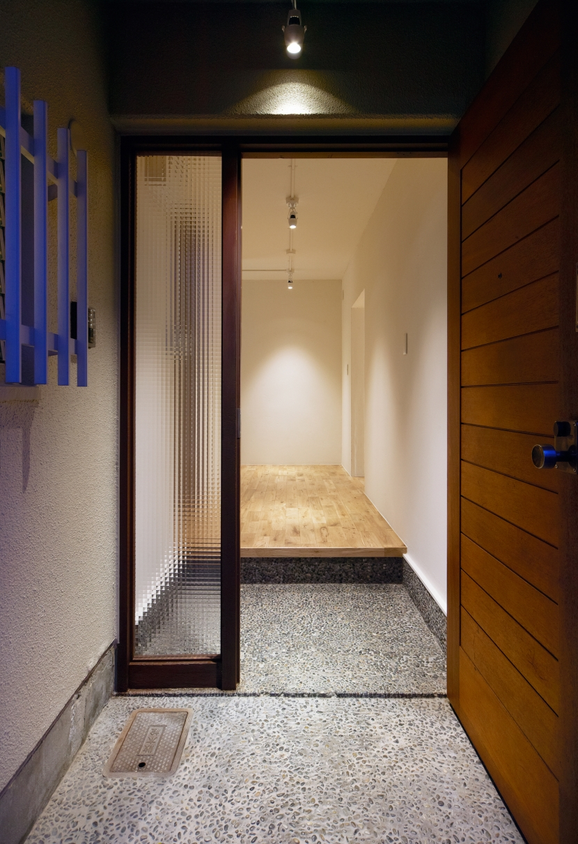 リフォーム・リノベーション会社:リボーンキューブ「raita 特徴的なRC空間を活かし シンプルかつおしゃれにデザインした戸建テラスリノベ」