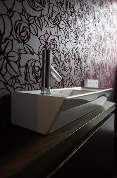 トイレ手洗い (アジアンリゾート風リノベーション)
