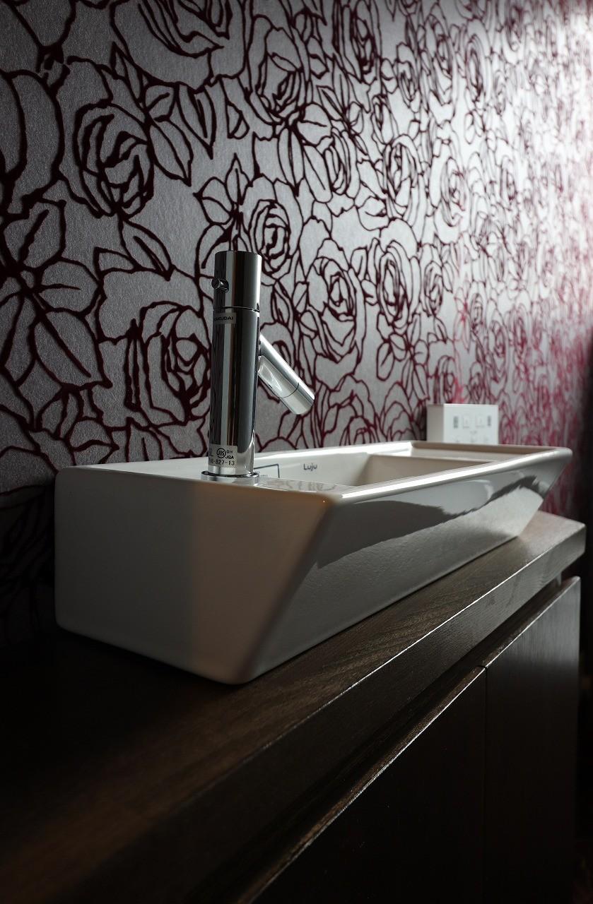 トイレ手洗い アジアンリゾート風リノベーション バス トイレ事例 Suvaco スバコ