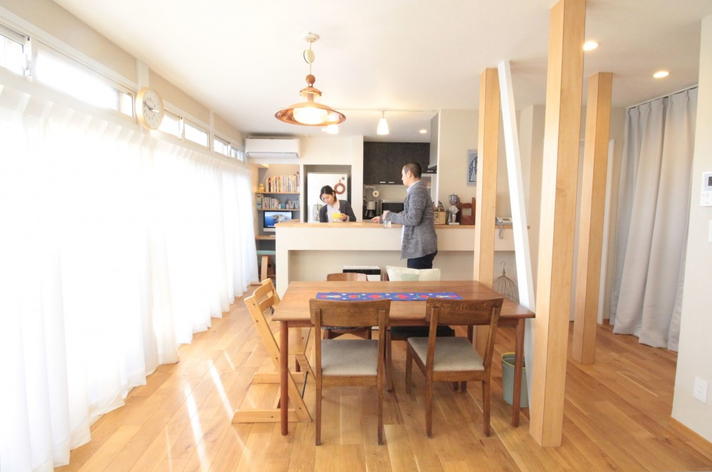 明るい陽射したっぷりLDK (築40年以上の戸建住宅を快適なお住まいへリノベーション)
