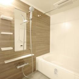 『無垢の暮らしをシンプルに』 (浴室)