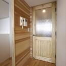 『無垢の暮らしをシンプルに』の写真 無垢ドア