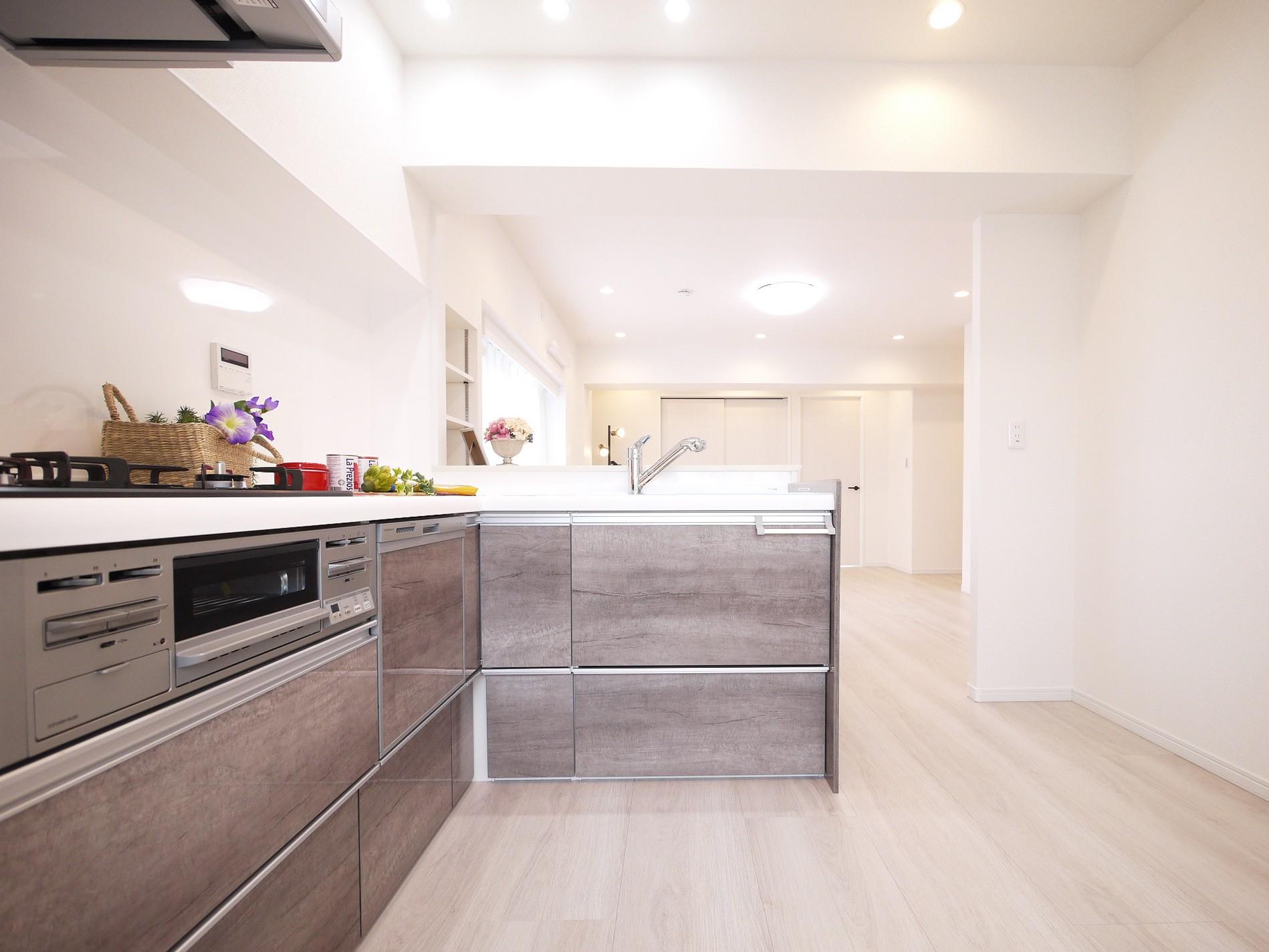 キッチン事例:キッチン(白を基調とした開放感ある3LDK)