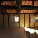 愛知の茅葺き再生の写真 真壁土塗り仕上げ。