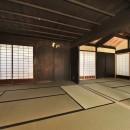 愛知の茅葺き再生の写真 和室二間。