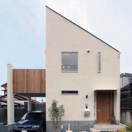 house-hol (大きなバルコニーのある狭小住宅外観)